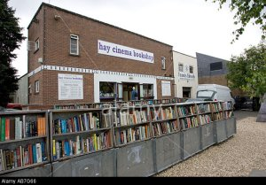 AB7G66 Used books at Hay Cinema Bookshop at Hay on Wye UK. Image shot 2005. Exact date unknown.
