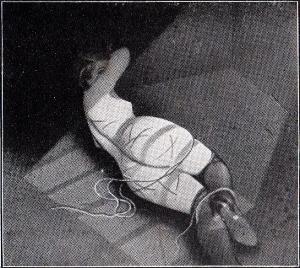 Sous La Jupe Couvre-Feu 1933_0012
