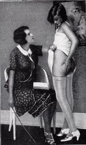 Sous La Jupe Couvre-Feu 1933_0022